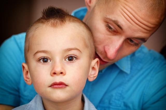 SOBREPROTECCIÓN INFANTIL en la edad adulta